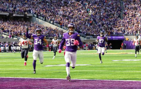MINNEAPOLIS, MN - OCTOBER 9:  Marcus Sherels #35 of the Minnesota Vikings returns a punt 79 yards for a touchdown in the second quarter of the game against the Houston Texans on October 9, 2016 at US Bank Stadium in Minneapolis, Minnesota.  (Photo by Adam Bettcher/Getty Images) ORG XMIT: 663697743 ORIG FILE ID: 613619294