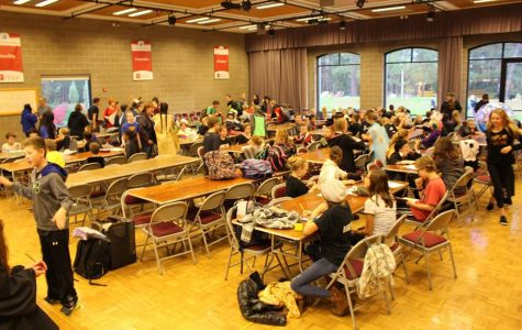 Middle School Knowledge Bowl Grows and Excels